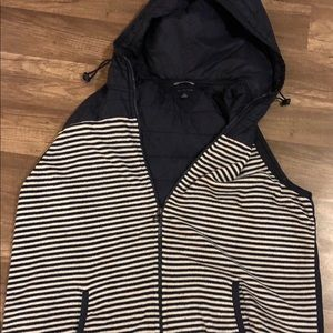 TOMMY HILFIGER ATHLEUX HOODIE VEST LIGHT PUFFER